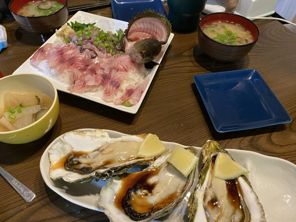 「海鮮市場マルモト」